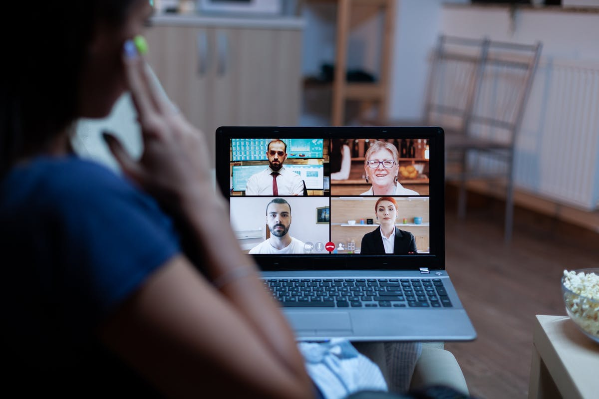 freelancer-having-video-conference-with-team-HE3RDTS.JPG
