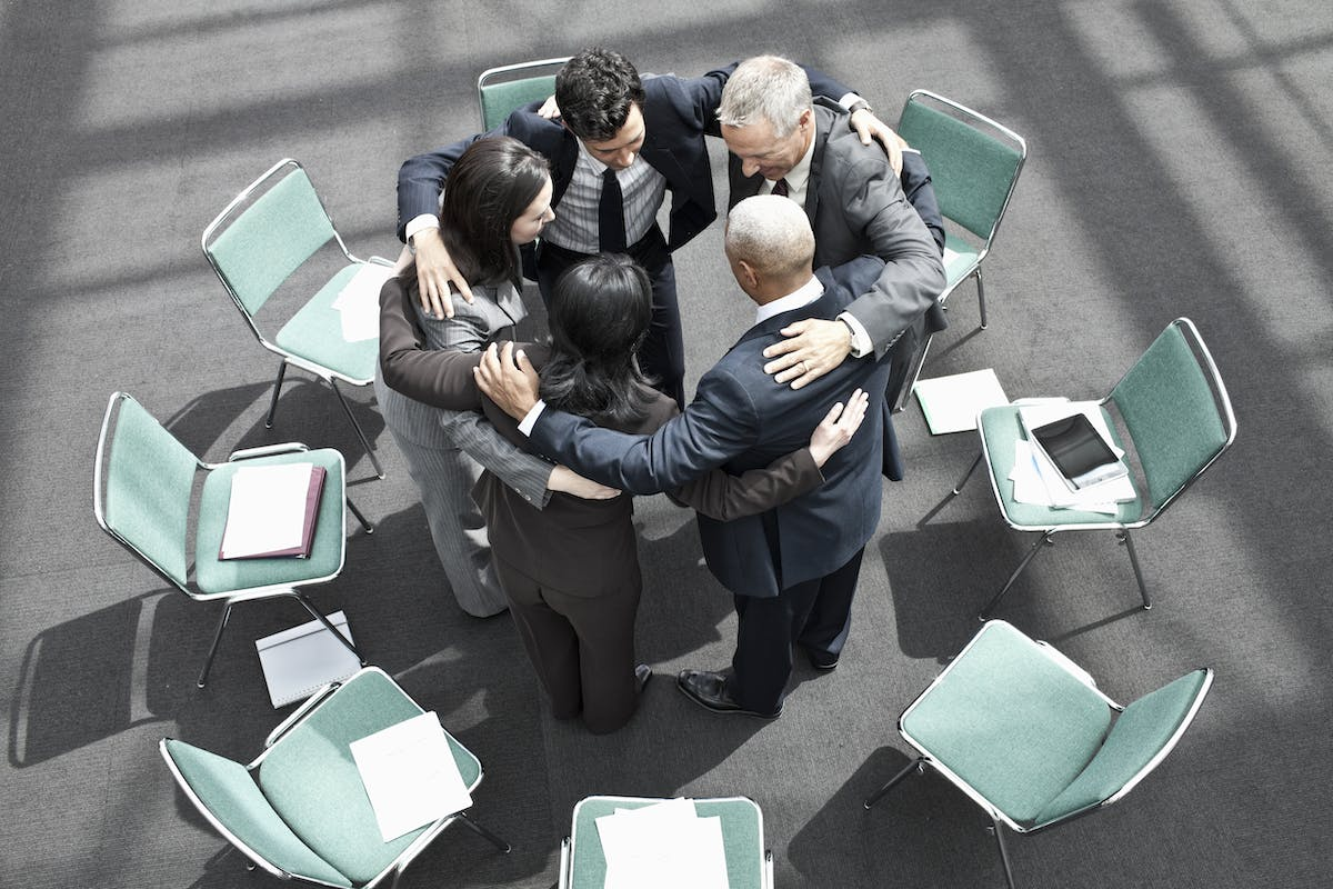 mixed-race-group-of-business-people-in-an-informal-MJ8KW4C.jpg